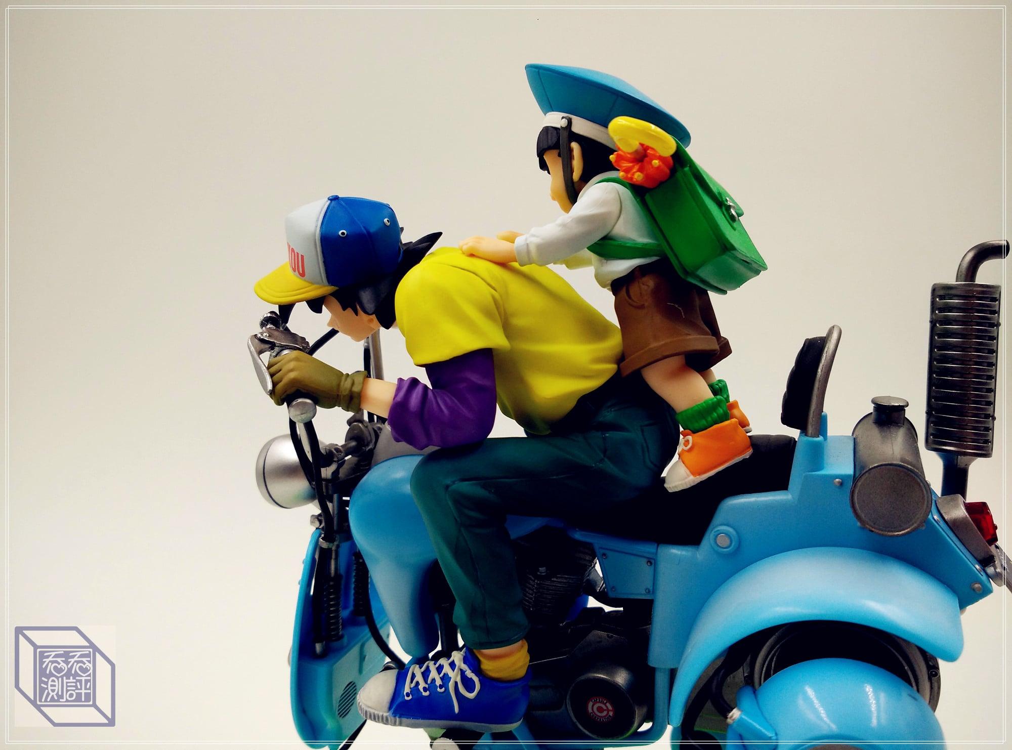 DRAGON BALL Son Gokū & Sun Gōhan motorcycle statue collectibles-Garage Kit Dolls