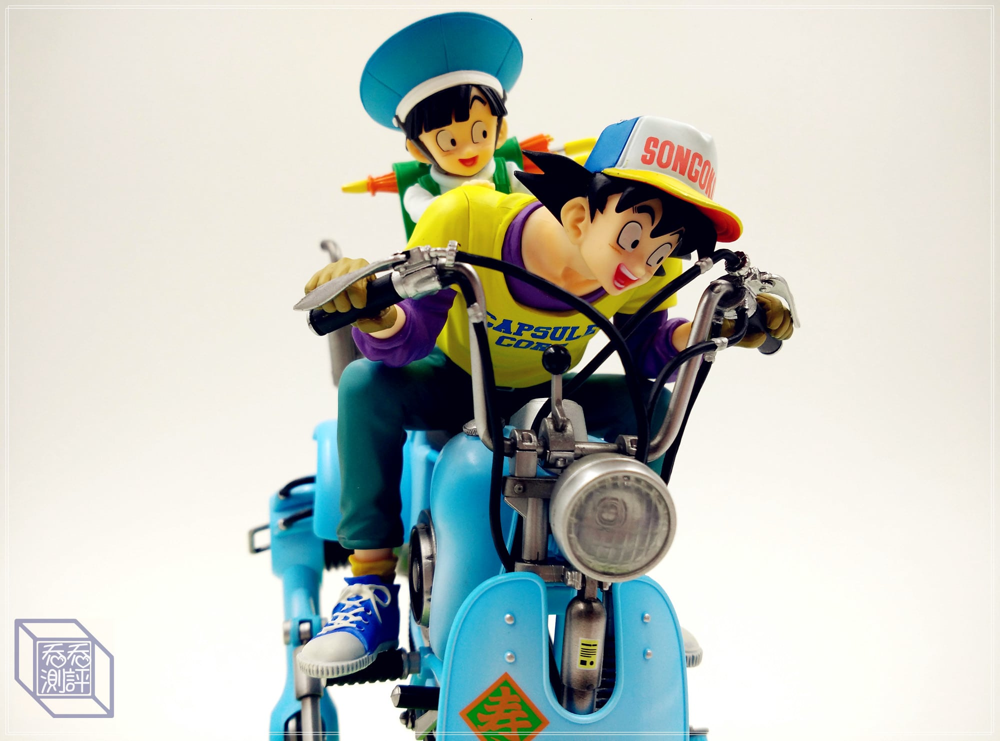 DRAGON BALL Son Gokū & Sun Gōhan motorcycle statue collectibles-Garage Kit Dolls