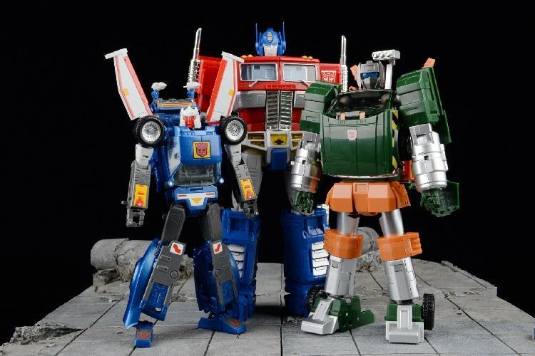 Transformers in China: Forward OR Backward-Garage Kit Dolls