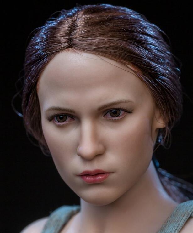 Tomb Raider Lara Two Head Sculpt Clothes Garage Kit-Garage Kit Dolls